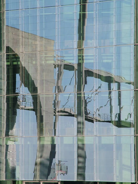 Photo: Reichstag Reflections, Berlin