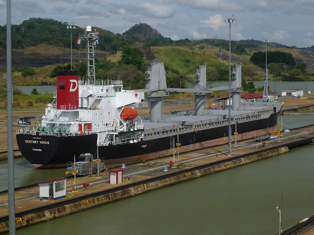 Photo: Miraflores_Locks, Panama