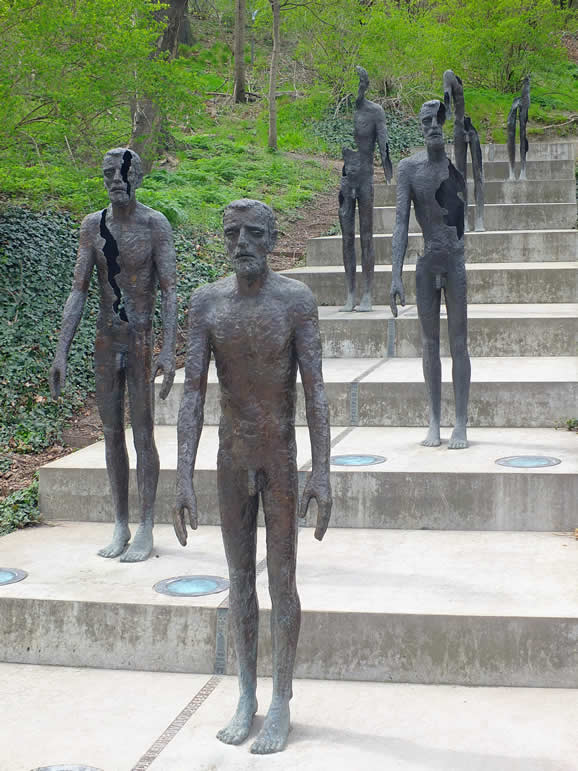 Photo: Memorial to the Victims of Communism, Praha