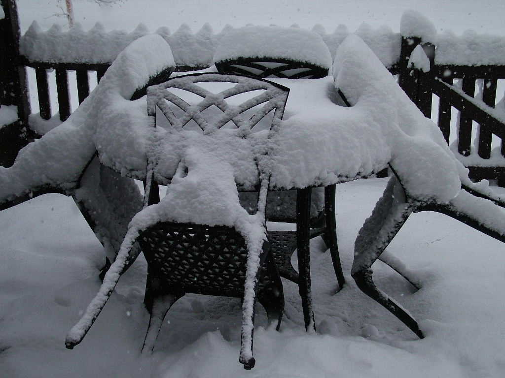Photo: Patio furniture in the snow, Aviemore