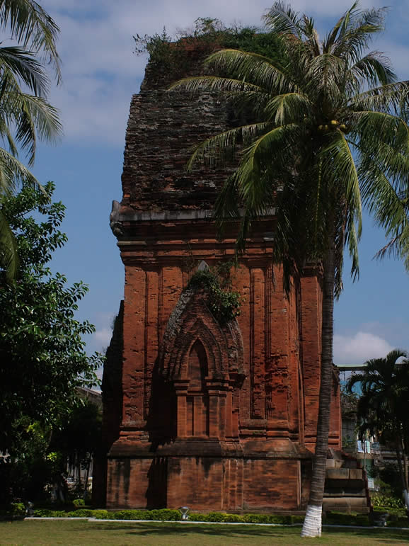 Photo: Quang Ngai, Cham Tower